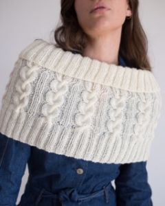 Izzy Lou Cabled Capelet PDF